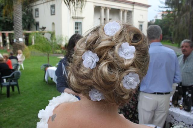 brides head